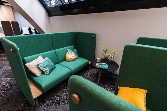 Уютные диваны для переговоров